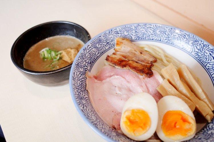 濃厚つけ麺・ラーメン 八重桜(ノウコウツケメン ラーメン ヤエザクラ)