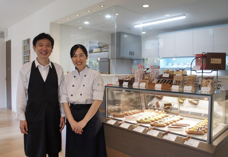 学芸員とパティシエである岡村夫妻。2人の良さが交差する店だ。