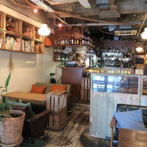 吉祥寺のカフェ『alley cafe』。ビル一角、隠れ家のような空間で静かに心満たされていく