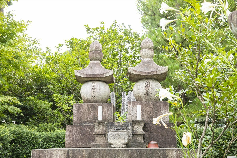 海舟の妻・民の墓は、戦後にこの地に改葬された。