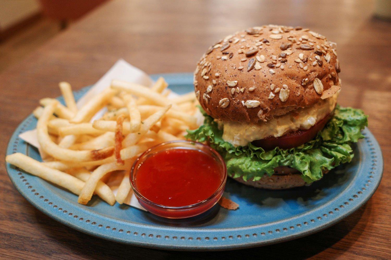 見た目からさっぱり感漂うソイハンバーガー。