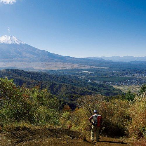 富士山を眺めながら尾根歩き、富士見の山、石割山【東京発日帰り山さんぽ】