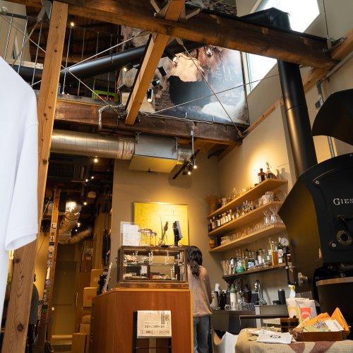 兜町『SR COFFEE ROASTER & BAR』。コミュニケーションが売りのカフェでスウェーデンスタイルの...