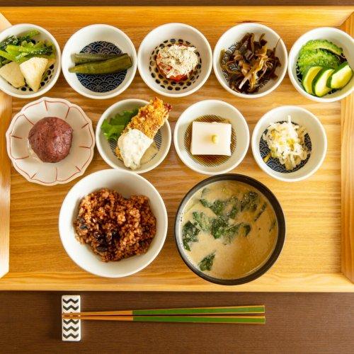 """今こそ気軽に、精進料理。身近になった現代の""""お寺ごはん""""、進化する""""SHOJIN""""に熱視線!"""